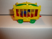 New Circus Wagon yellow Sides/red Frame for American Flyer  #601