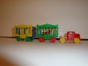 Red Circus Truck / blue wheels and 2 Wagons (Bear)  #117